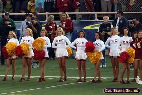 Usc_cheerleaders_100309_0447_medium