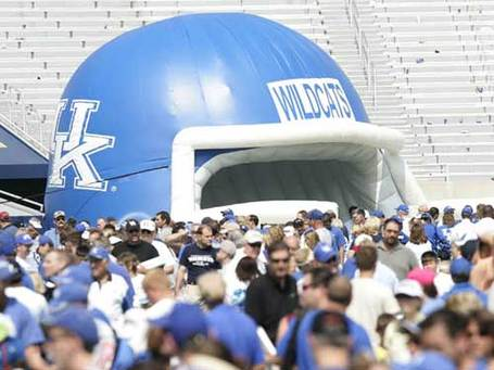 Kentucky-football-fans_medium