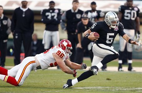 55447_chiefs_raiders_football_medium