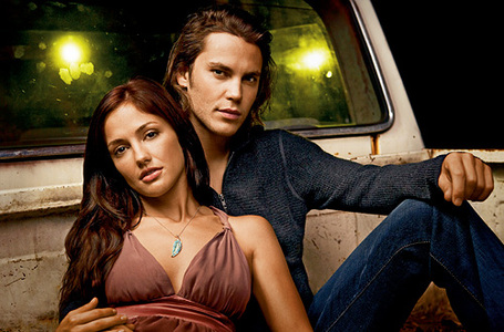 Images1262941_minkakelly_taylorkitsch_fridaynightlights_medium