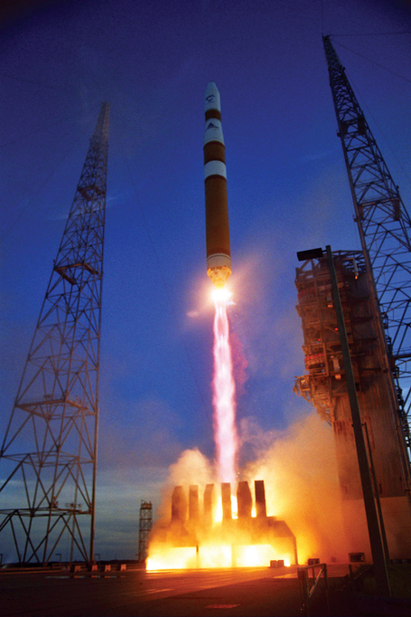 Delta_iv_medium_rocket_dscs_medium