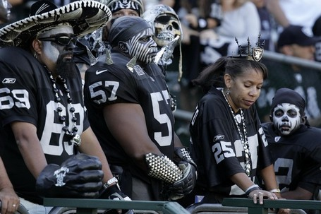 63371240786942raiders-fans_medium