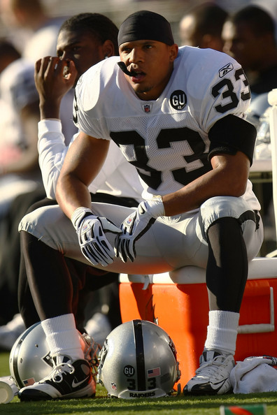 Oakland_raiders_v_baltimore_ravens_v05eoxyqmocl_medium