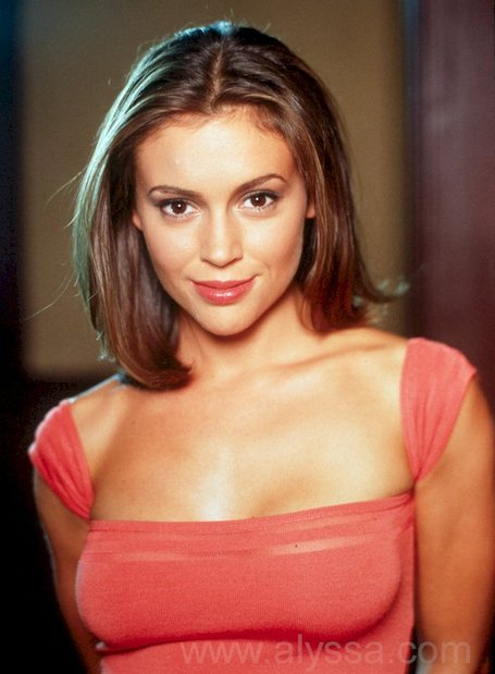 Alyssa_milano_755199_medium