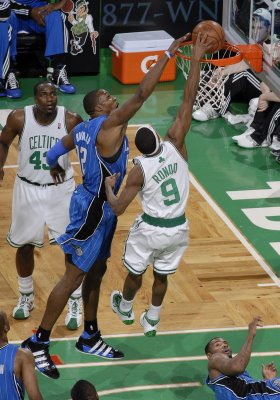 Rajon_rondo_dunks_on_dwight_howard_game_7_medium