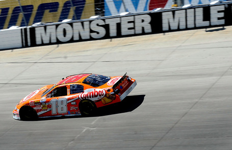 2010_20dover1_20nns_20busch_20out_20front_20on_20track_medium