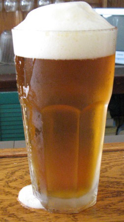 Pint_of_beer_medium