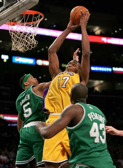 Celtics_lakers_basketball_400_medium
