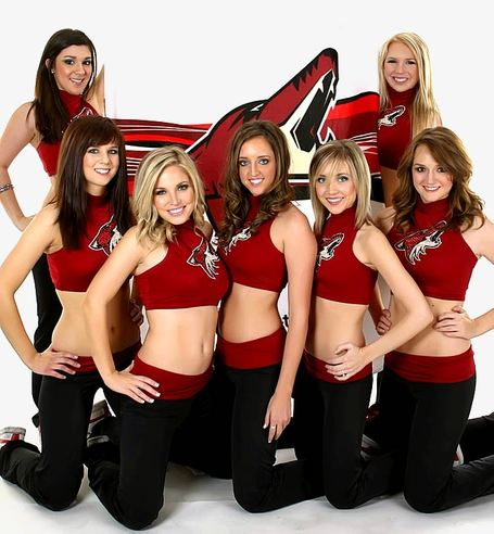 Coyotes-the-pack-dancers_2809_29_medium