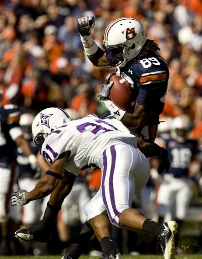 37526_furman_auburn_football_medium