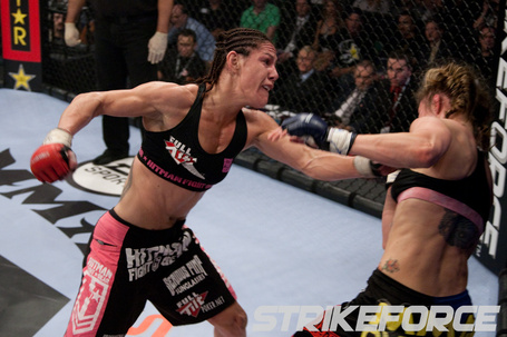 089_marloes_coenen_vs_cris_cyborg1_medium