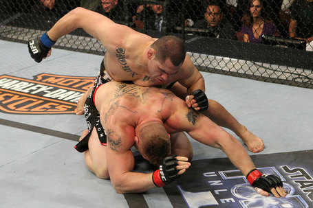 Ufc121_11_velasquez_vs_lesnar_005_medium