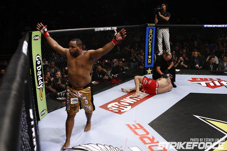07_daniel_cormier_vs_jason_riley_medium