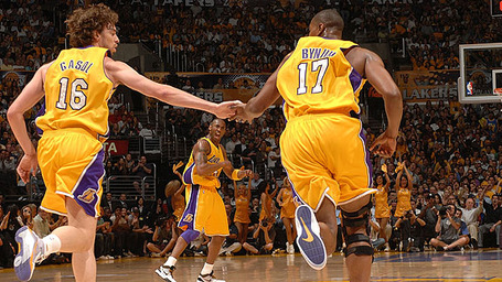 Nba_g_gasol_bynum_576_medium