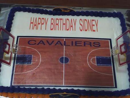 Uva_basketball_b_day_cake_view_medium