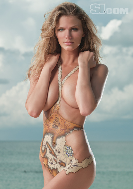 09_brooklyn-decker_bodypainting_01_medium