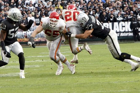 110710-raidersvschiefs4--nfl_medium_540_360_medium