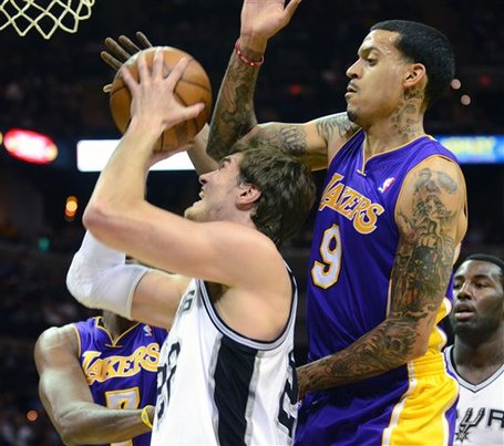 103435_lakers_spurs_basketball_medium