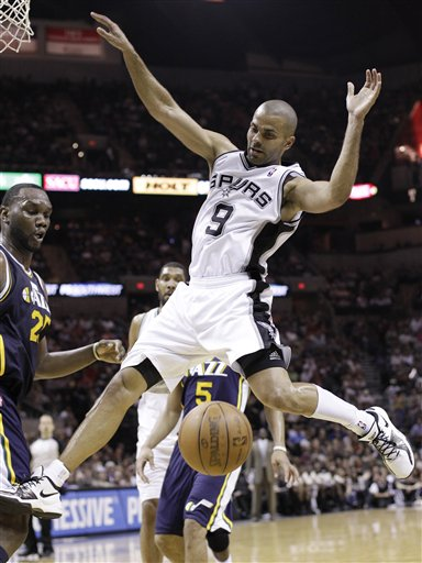 106781_jazz_spurs_basketball_medium