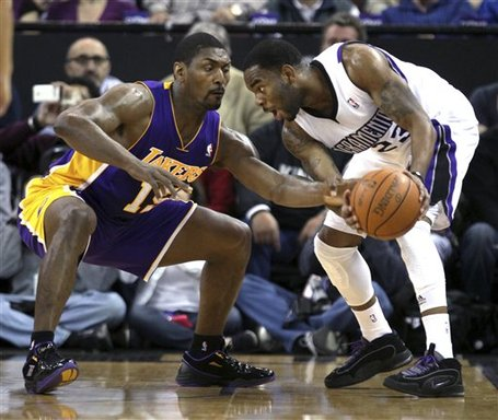 107276_lakers_kings_basketball_medium