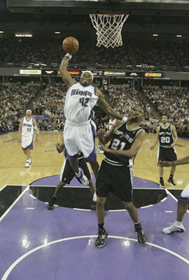 Oly_full57041662sd014_spurs_kings_medium