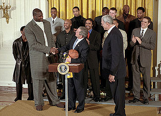 325px-shaq_at_the_white_house_medium