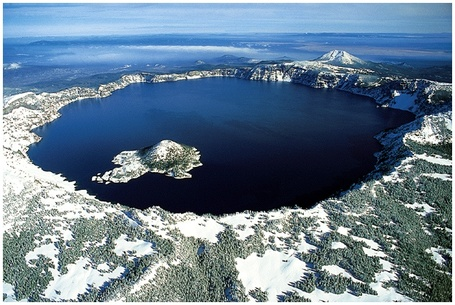 Crater_lake_oregon_medium