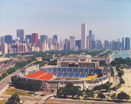 753px-soldier_field_chicago_aerial_view_medium