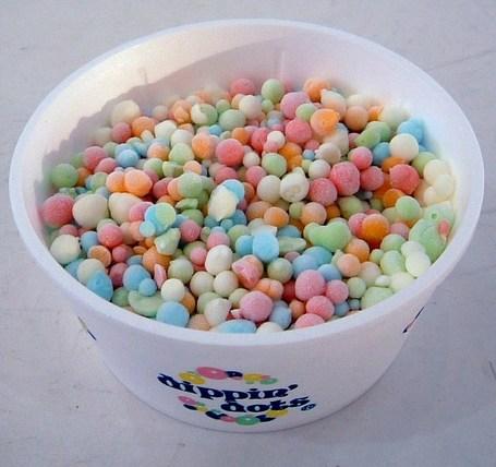 Dippin_27_dots_rainbow_flavored_ice_medium