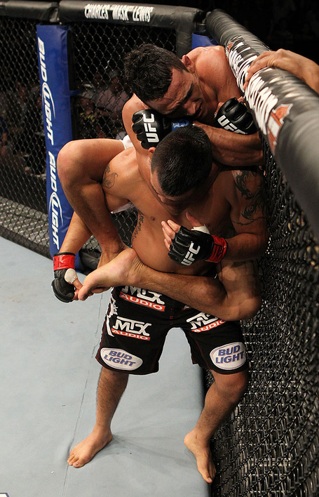 Oliveira_vs_escudero-choke_medium