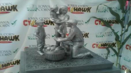 Cyhawk_trophy_medium