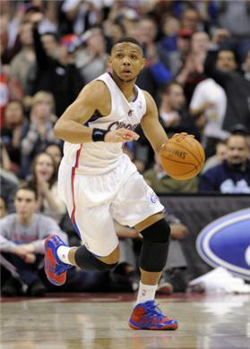 Eric-gordon-leads-los-angeles-clippers-to-106-103-win-over-the-houston-rockets-58082_medium