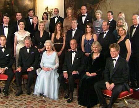 Royal-family-portrait_medium