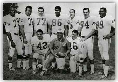 1966teamphoto_medium
