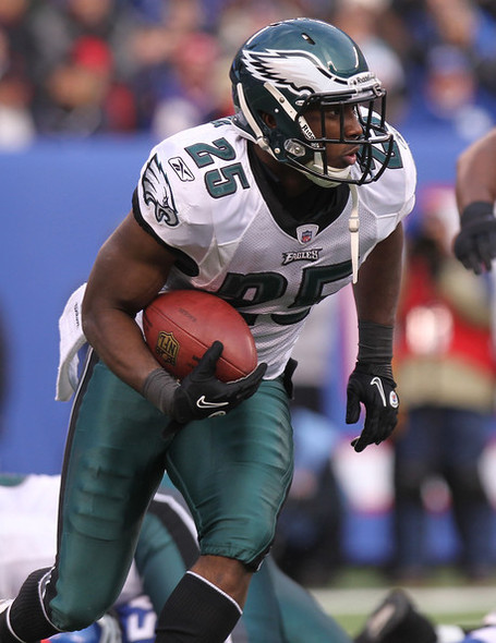 Lesean_mccoy_philadelphia_eagles_v_new_york_bw_-w7wag-rl_medium