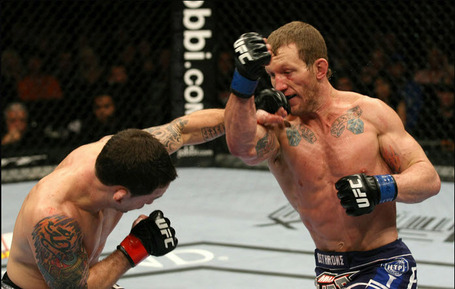 Gray_maynard_vs_frankie_edgar_ufc_125_medium