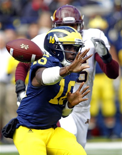 63434_minnesota_michigan_football_medium