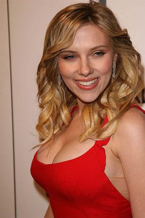 Scarlett-johansson-plastic-surgery2_medium
