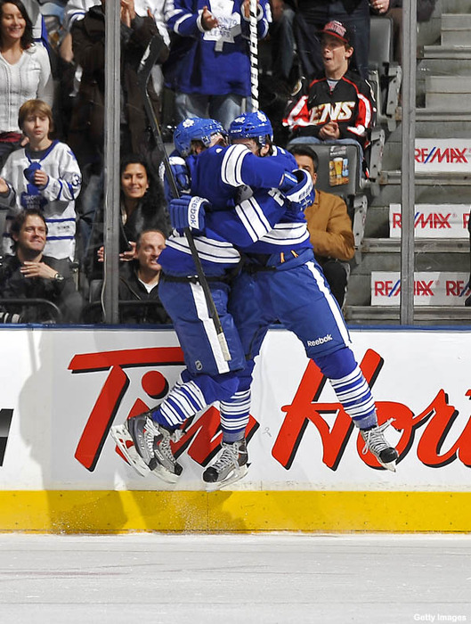 Hockey_hugs_sweet_stamkos_leaping_kessel_returns_jovo_no_robo_large