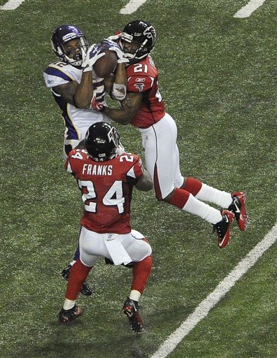 Vikings_falcons_football_96414_game_medium