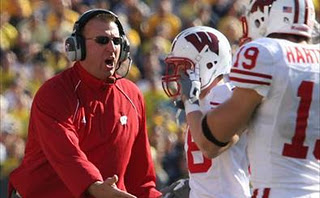 Bret_bielema_action_medium