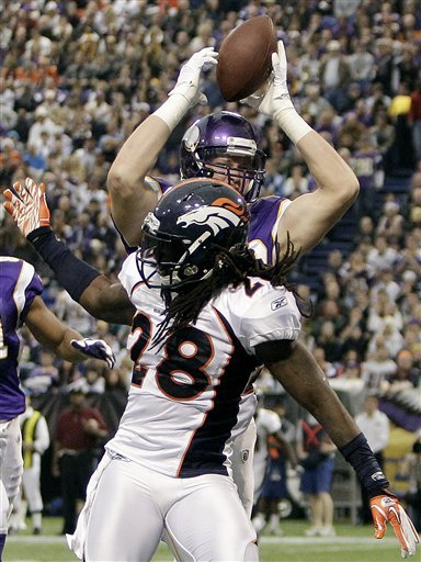 Broncos_vikings_football_96935_game_medium