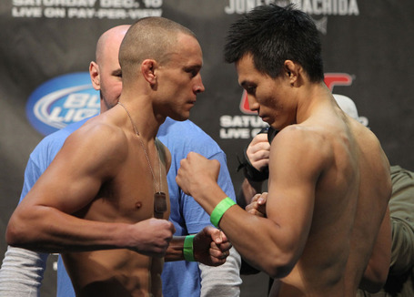39_ufc140_weighins_medium
