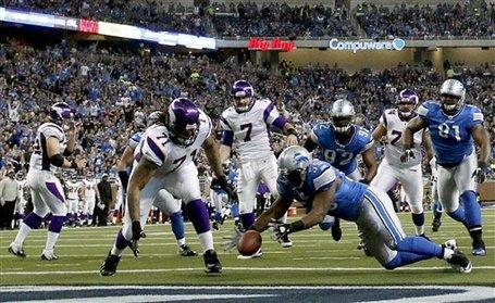 Vikings_lions_football_97661_game_medium