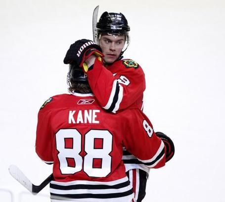 Blackhawks-kane-and-toews-celebrate-goal-in-chicago_7_medium