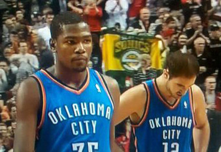 Sonics-fans-blazers-thunder-game_medium