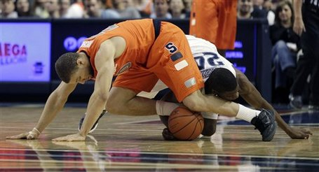 69299_syracuse_villanova_basketball_medium