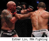 Junior Dos Santos defeated Shane Carwin at UFC 131.