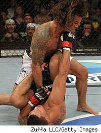Clay Guida beats Anthony Pettis at the TUF 13 Finale.