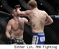 Evan Dunham defeats Nik Lentz at UFC on FOX 2.